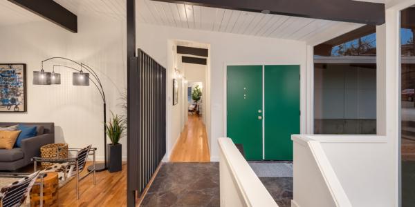 https://heatondainard.com/wp-content/uploads/2019/05/2019-Design-Trends-Rethinking-The-Open-Floor-Plan.jpg