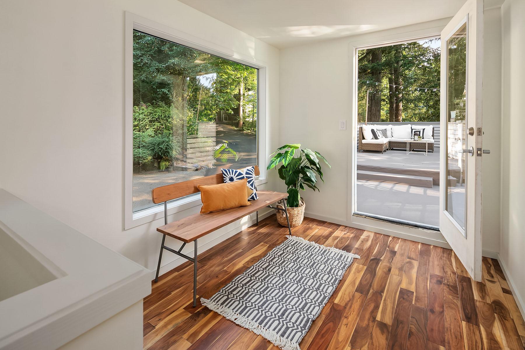 Contemporary Tree House 2