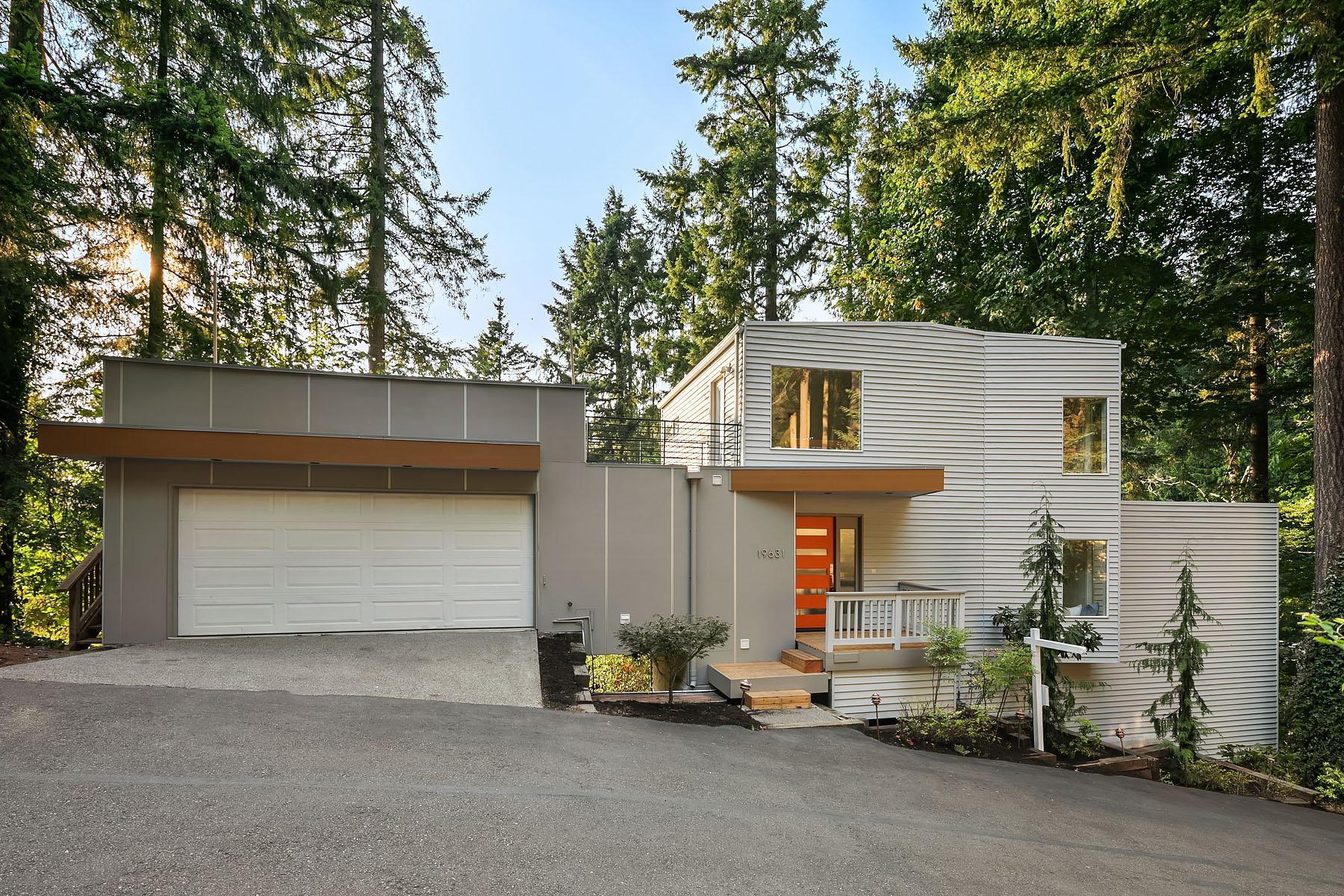 Contemporary Tree House 4