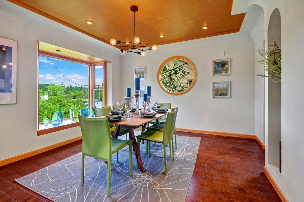 Light Filled Mount Baker Home 5